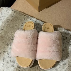 Brand New Ugg fluff yeah sandals pink size 5